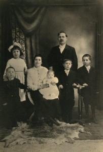 Воронаев с семьей